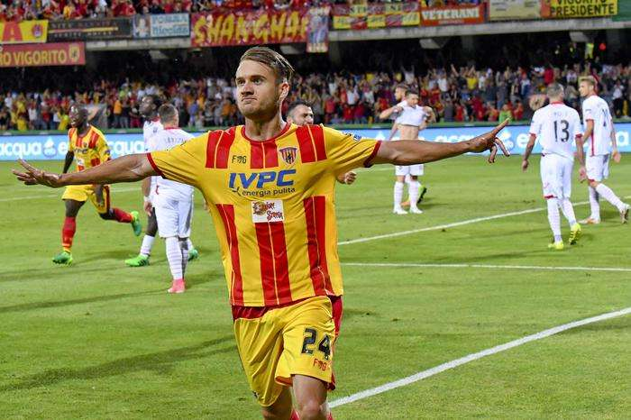 Benevento forward George Puscas jubilates scoring his goal during the return of the Italian Serie B play-off soccer play between Benevento Calcio and Carpi football club 1909 at 'Vigorito' stadium in Benevento, Italy, June 8, 2017. ANSA / CIRO FUSCO